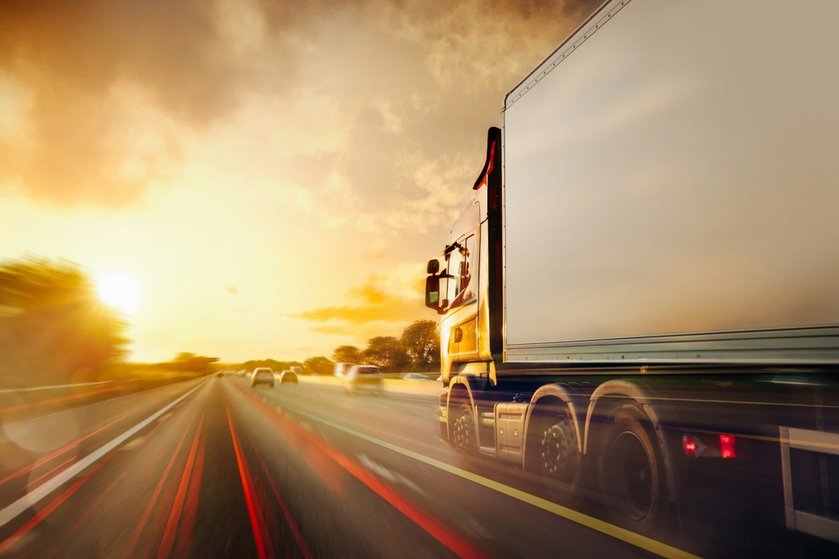 Different Kinds of Truck Driving: Fedex, Amazon, or Reefer Division